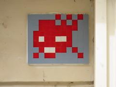 Space Invader PA_416 (tofz4u) Tags: 75010 reactivated restauré spacerescueintl reactivationteam paris streetart artderue invader spaceinvader spaceinvaders mosaïque mosaic tile pa416 red rouge blue bleu