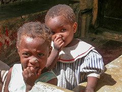 Lamu - Kenya 2003 (wietsej) Tags: lamu kenya 2003 nikon coolpix 4500 children