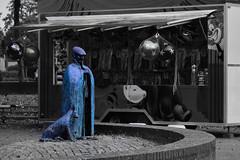 Shepherd at the fair. (wimjee) Tags: nikond7200 nikon d7200 afsdx1680mmf284eedvr montfort limburg nederland kermis fair schaapsherder shepherd beeld statue niksoftware colorefexpro4 silverefexpro2 blackwhitecolor zwartwitkleur selectivecolor blauw blue