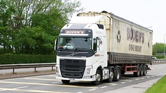 PE16 HWU (Martin's Online Photography) Tags: volvo fh4 truck wagon lorry vehicle freight haulage commercial transport a580 leigh lancashire nikon nikond7200