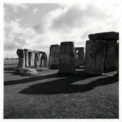 (S.F. Sorrow) Tags: stonehenge blackandwhite bw blackwhite 6x6 mamiya6 120 mediumformat ilfordpanfplus ilfotecddx forte elegance polywarmtone