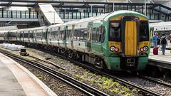 377602 (JOHN BRACE) Tags: 2012 bombardier derby built class 377 electrostar 377602 southern livery east croydon station
