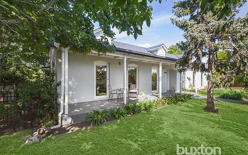 10 Cherrington Ct, Parkdale VIC 3195
