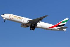 Emirates | Boeing 777-200LRF | A6-EFJ | Los Angeles International (Dennis HKG) Tags: aircraft airplane airport plane planespotting cargo freighter canon 7d 100400 losangeles klax lax emirates emiratesairline uae ek boeing 777 777200 boeing777 boeing777200 777200lr boeing777200lr 777200f boeing777200f a6efj