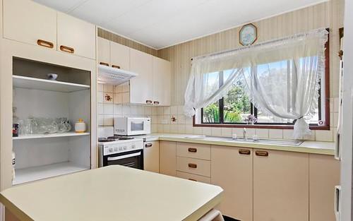 11 Clare Crescent, Batehaven NSW