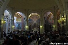 Lourdes 106-A (José María Gil Puchol) Tags: aquitaine autel basilique catholique cathédrale eau eaumiraculeuse fidèle france josémariagilpuchol lourdes messe paysbasque pélèrinage religion