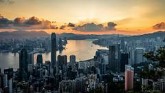 Rays of Light (Joachim Wuhrer) Tags: joachimwuhrer hongkong sunrise victoriaharbour victoriapeak peak earlymorning asia sonya7iii sony sonya73 a7iii zeiss sel1635z
