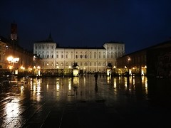 Shining Regal Palace (VauGio) Tags: torino turin regalpalace palazzoreale piazzacastello castelplace huawei leica p10 rain pioggia italy italia