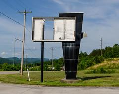 Jellico Motel (J.I. Wall) Tags: abandoned building americana lightfixture roadside tennessee sign design motel architecture jellico unitedstates us