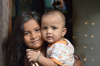 rohingya girl with baby brother