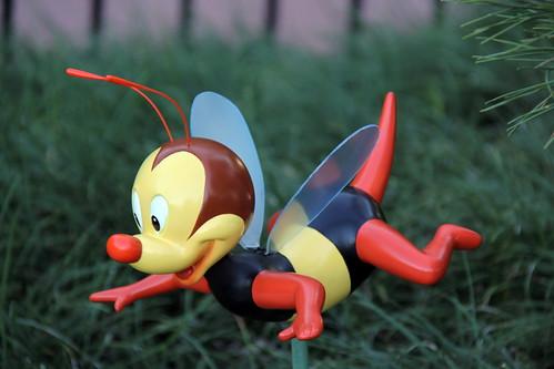 Spike, EPCOT's little lovable honey bee
