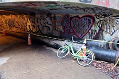 Bike (Daquella manera) Tags: washington dc georgetown canal graffiti pintada street art arte callejero bike share rental abandoned lime sl1440dc