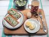 завтрак-гориз-приборы (Horosho.Gromko.) Tags: food butter parsley lemon kitchen cooking recipe stepbystep compound compoundbutter еда масло петрушка лимон кухня книгаовкуснойиздоровойпище рецепт foodphoto фудфото plate plates dishes chinaware