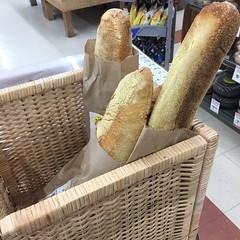Bread - baguettes in basket (sustainablejill) Tags: bread baguette basket bag paper supermarket