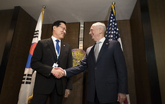 SD meets with Republic of Korea MoD Song Young-moo (Secretary of Defense) Tags: shangrila dialogue partnerships strengtheningalliances secretarymattis chaos pmloong singapore
