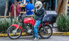 2018 - Mexico City - Uber Eats (Ted's photos - For Me & You) Tags: 2018 cdmx cityofmexico cropped mexico mexicocity nikon nikond750 nikonfx tedmcgrath tedsphotos tedsphotosmexico vignetting bike biker motorcycle helmut motorcyclehelmut wheels streetscene street denim denimjeans roda rodahelmut plaid plaidshirt ballcap red redrule