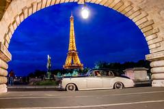 Rolls Royce in Paris (Olii_) Tags: paris parisbynight eiffeltower toureiffel rollsroyce car pont bridge birhakeim
