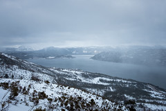 Misty Mountains (Aymeric Gouin) Tags: canada newfoundland terreneuve nature ocean sea mer atlantic atlantique water eau mountains montagnes sky ciel misty brume mist brouillard landscape paysage paisaje landschaft hiking hike randonnée travel voyage fujifilm xt2 aymgo aymericgouin