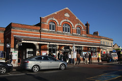 Salisbury Station, January 2nd 2017 (Southsea_Matt) Tags: canon 80d january 2017 winter salisbury wiltshire england unitedkingdom railway railroad station transport