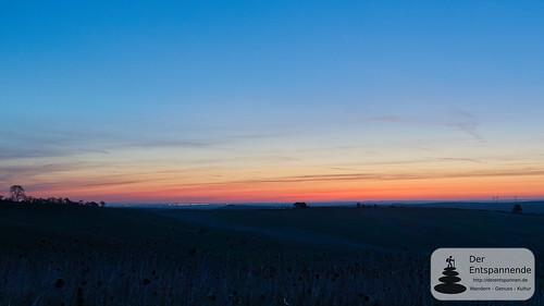 Morgenrot und Blick auf Skyline von Frankfurt