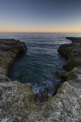 Bebiendo el mar (jamp_foto) Tags: agua roca mar mediterraneo cabo de gata garganta atardecer abrazo jampfoto almería andalusia spain water rock mediterranean sea throat sunset hug