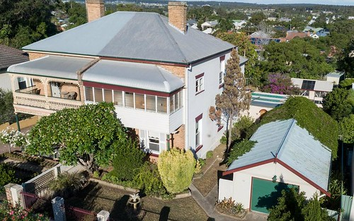 62 High St, East Maitland NSW 2323