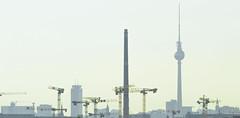 Hoch hinaus (DasWarmblut) Tags: krankenhaus charite charité campus virchow klinikum dach canon eos 700d berlin deutschland germany capital city hauptstadt stadt skyline sky line