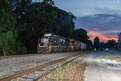 NS W64 at Dallas (travisnewman100) Tags: norfolk southern union pacifc up ns train freight railroad manifest extra w64 emd ge sd60 c45ah atlanta north district georgia division dallas 1184h