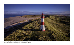 Wegweiser / sign (in explore) (H. Roebke) Tags: lighthouse de deutschland landscape landschaft küste himmel germany nordfriesland leuchtturm 2017 dronie beach architecture djimavic strand sylt architektur sky natur nature seascape lighthousethursday island