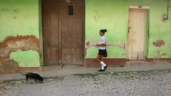 CUBA Trinidad La Gente V (stega60) Tags: cuba trinidad estudiantes calle escuela students street people light colores colors stega60