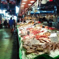 La Boquería. (Jean Velasquez) Tags: ramblas barcelona boqueria catalonia seafood market street people colors indoor jeanvelasquez jeanv samsungs3mini light food shop