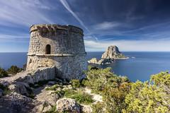 La torre del pirata (Txeny4) Tags: torre del pirata islas pitiusas ibiza es vedrá azul atardecer filtros firecrest polarizador nisi nd mar mediterraneo canon cielo calma cala