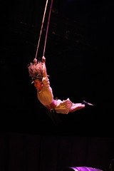 La Sangre de la Tierra - Teatro Nescafé de las Artes (El Circo del Mundo-Chile) Tags: circo circodelmundo nescafedelasartes vino sangredelatierra vendimia chile