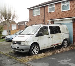 1996 MERCEDES VITO 108D (shagracer) Tags: van 108 d merc p886jyc slime gruby grime decaying dead dying dull unloved neglected sorn