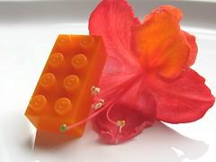 Lego Bayer 8xC - milky Orange (Fantastic Brick) Tags: teststein bayerstein 60er alt selten rar testform abs probestein farbmuster musterstein noppen röhren anguss farbverlauf mischfarbe marmoriert testfarbe farbton bunt lego colors rare htf 2x4 3001 marbled swirly collection colorful brick testbrick test bricks bayer patpend pat pend 3001old letter bayertestbrick mould classic old vintage cross support tubes mold pip stud 8xc c milky
