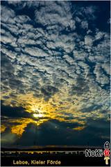 Sonnenuntergang in Laboe (Norbert Kiel) Tags: sonnenuntergang laboe ostsee kieler förde deutschland schleswigholstein urlaub himmel wolken strand abend abendstimmung nokiart