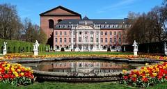 Palastgarten des Kurfürstlichen Palais Trier (Antje_Neufing) Tags: trier rheinlandpfalz germany park palastgarten kurfürstlich palais tulpen garten natur