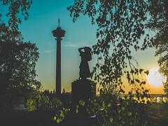 T a m p e r e (Sivakovin) Tags: auringonlasku olympus sunset näsinpuisto näsinneula tampere
