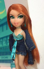 We shine when the lights go out, I wanna kiss you in the nightclub (TwiinsWhoLoveDolls) Tags: bratz thot kardashian diamondz diamonds stones denim tulle lace goals 2018 jenner kylie teal fixed straightened straight ironed iron flat nylon 2013 meygan