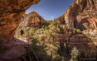 Hiking the Canyon Overlook Trail
