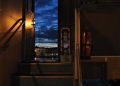 Porte ouverte sur le monde (Robert Saucier) Tags: helsinki bateau boat porte door nuit night nightshot noflash bleu blue nuages clouds img7408