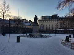 Östermalm (brimidooley) Tags: östermalm park statue snow neige winter hiver stockholm sweden sverige city citybreak travel europe scandinavia zweden 瑞典 suecia invierno inverno ستوكهولم scandinaviaストックホルム