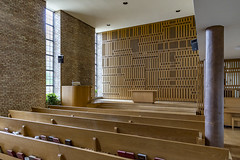 First Christian Church, Columbus, Indiana, 1942, by Eliel Saarinen (Travis Stansel) Tags: architecture architecturephotography midcenturymodern elielsaarinen columbusindiana modernism saarinen midwestmodernism columbus travisstansel