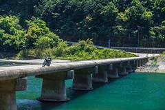 仁淀川ツーリング (Hiro_A) Tags: niyodo river bridge bike motorcycle motorbike yamaha sr400 touring kochi shikoku japan ochi water sony rx100m3