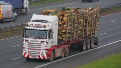 PO15 UHE (panmanstan) Tags: scania r520 wagon truck lorry commercial lumber freight transport haulage vehicle a1m fairburn yorkshire