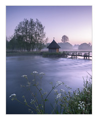 Fishing hut on the River Test, Hampshire (Sean D H Lewis) Tags: test hampshire dawn fishing hut