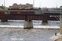 IMG_6122 (eslade4) Tags: ianr iowanorthernrailway excgw bridge waterloo ianr451 f40phr slug ianr3952