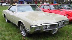 Riviera (Schwanzus_Longus) Tags: bruchhausen vilsen german germany us usa america american old classic vintage car vehicle coupe coupé buick riviera