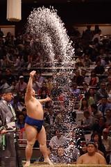 splash!! (t14zucca) Tags: pentax k3 55300mm plm japan tokyo sumo 相撲