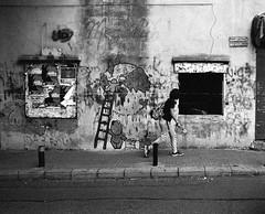 A wall, a child, a window (Simenza) Tags: ilfordhp5 pentaxart beirut analogica argentique biancoenero noiretblanc bw streetphoto streetart